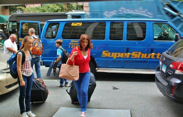 Shuttle para traslado entre aeropuerto y Nueva York