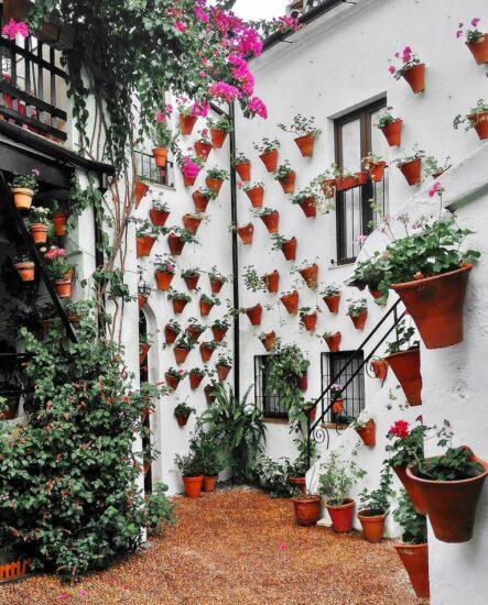 Patio del barrio del Alcázar Viejo en Córdoba