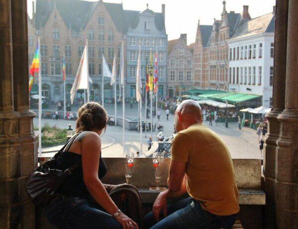 Plaza del Mercado desde el museo de la Cerveza en Brujas