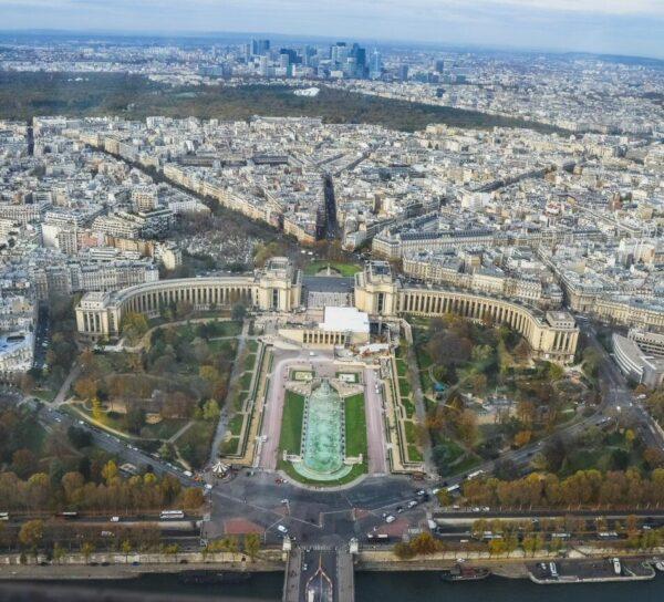 Vistas de Trocadero desde la Torre Eiffel en París