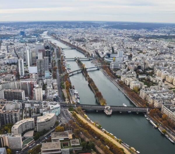 Vistas del río Sena desde la Torre Eiffel en París