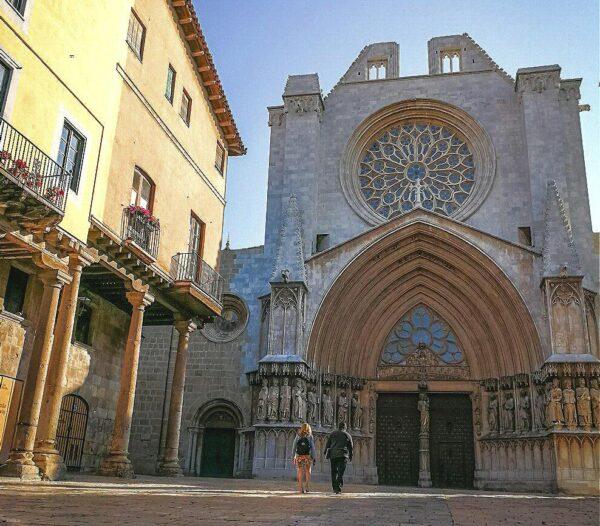 Plaza de la Seu en el centro histórico de Tarragona