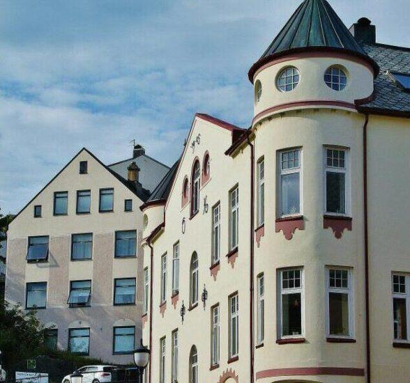 Edificio art noveau en Alesund en Fiordos de Noruega