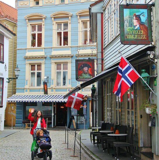 Rincón del centro de Bergen en Fiordos de Noruega
