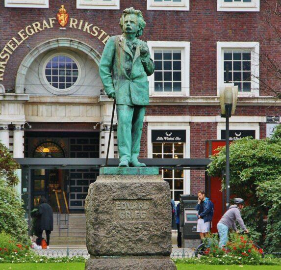 Monumento a Edvard Grieg en Bergen
