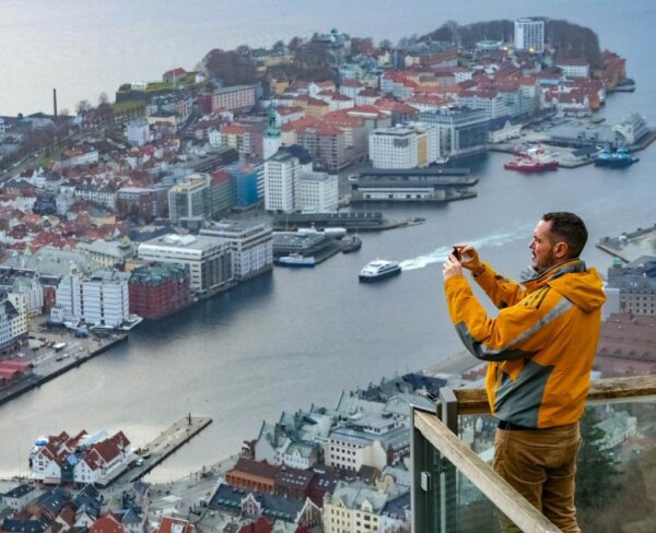 Mirador de Floyen en Bergen en fiordos noruegos