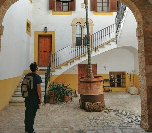 Patio de casa señorial en el centro histórico de Palma de Mallorca
