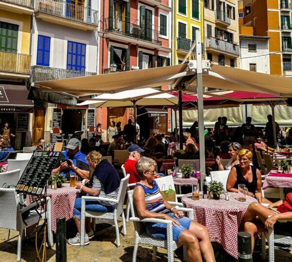 Terraza en el centro histórico de Palma de Mallorca