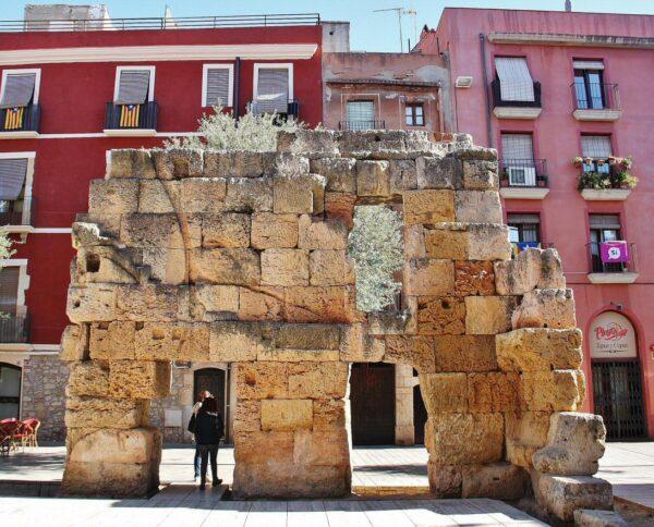 Restos del Foro Provincial en la plaza del Foro de Tarragona