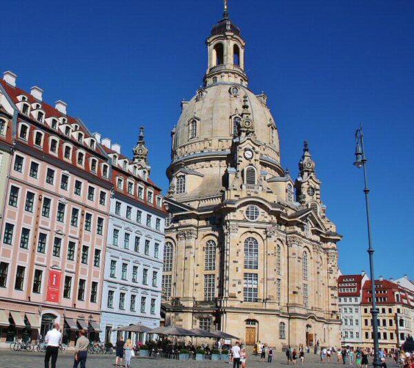 Iglesia Frauenkirche en el centro histórico de Dresde