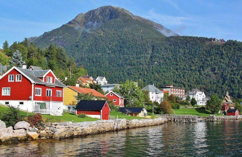 Rincón del Sognefjord en los Fiordos de Noruega