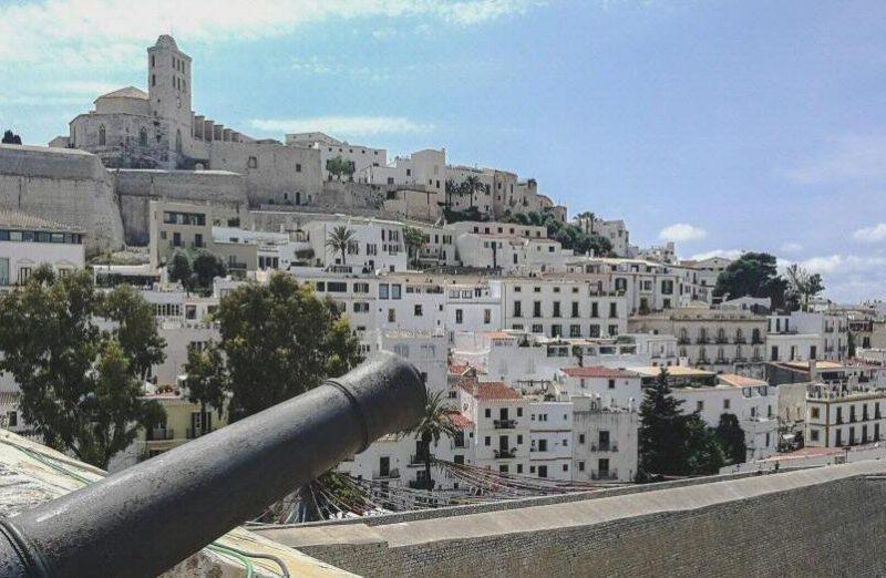 Dalt Vila, casco histórico de la ciudad de Ibiza en Baleares
