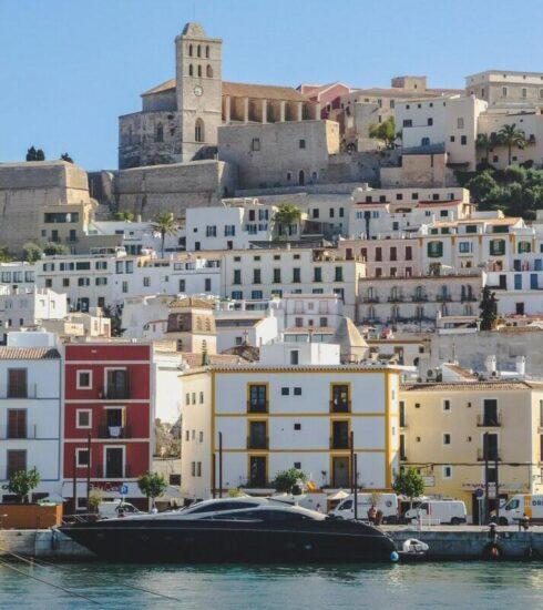 Barrio de La Marina bajo Dalt Vila en Ibiza