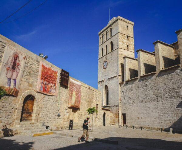 Catedral de Ibiza en el casco histórico Dalt Vila