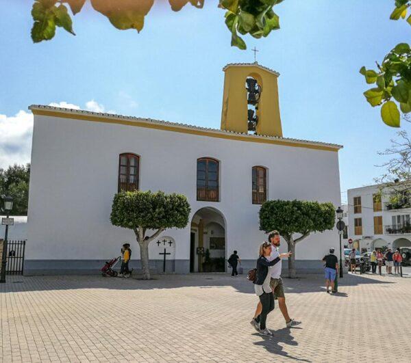 Iglesia de Santa Gertrudis en la isla de Ibiza