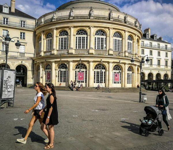 Opera de Rennes en plaza del Ayuntamiento