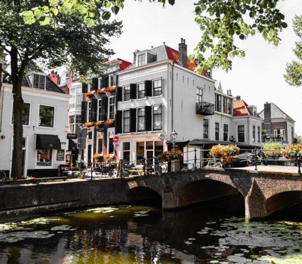 Canales La Haya
