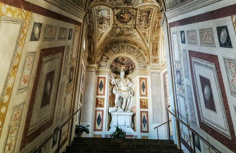 Escalera del palacio de Viso del Marqués en Ciudad Real