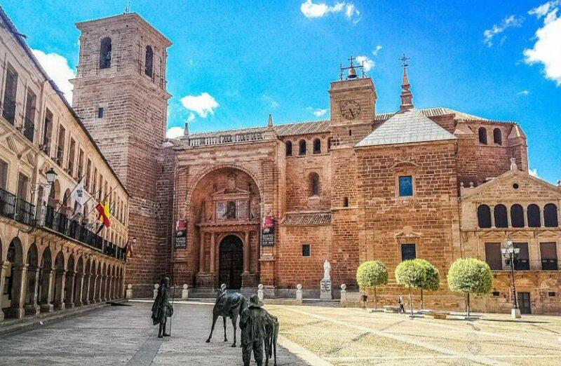 Plaza Mayor de Villanueva de los Infantes en Ciudad Real