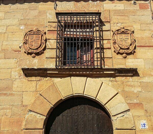 Fachada de casa palaciega en Villanueva de los Infantes
