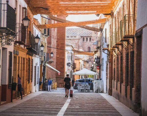 Calle Cervantes en Villanueva de los Infantes en Ciudad Real