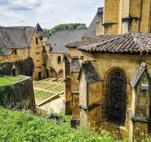 Abadía benedictina en Sarlat en Pèrigord al suroeste de Francia