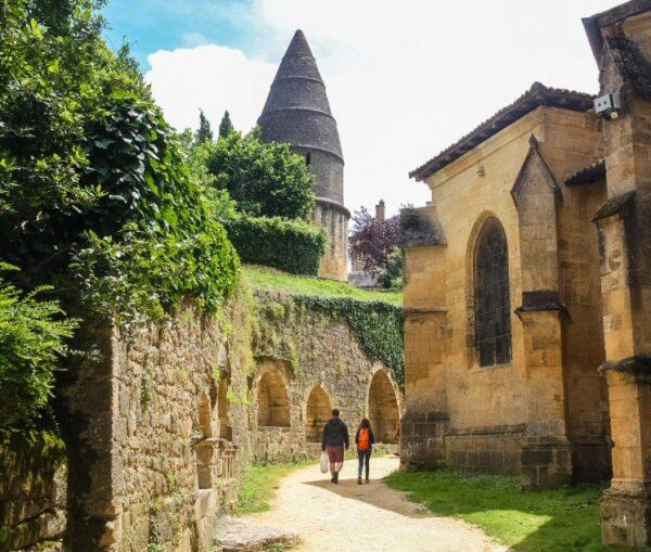 LInterna de los Muertos en Sarlat en Pèrigord al suroeste de Francia