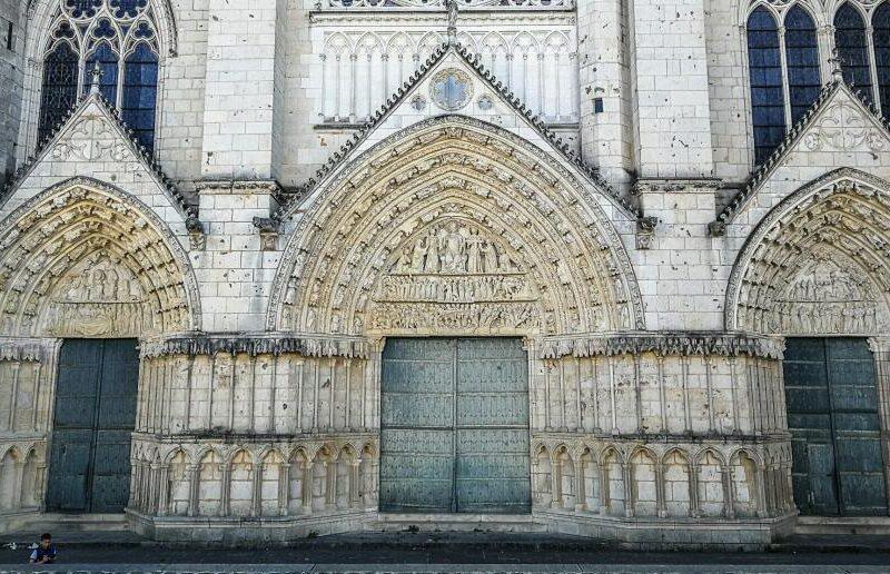 Catedral de Poitiers al oeste de Francia