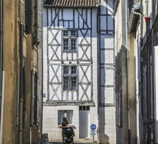 Rincón del centro histórico de Poitiers
