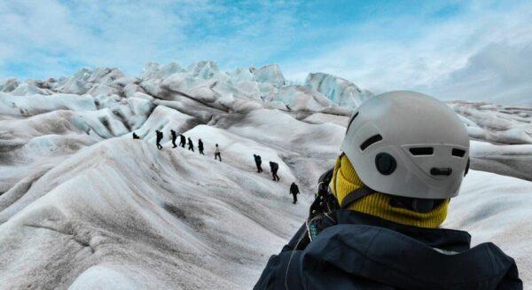 Trekking por el Glaciar Qalerallit en Groenlandia