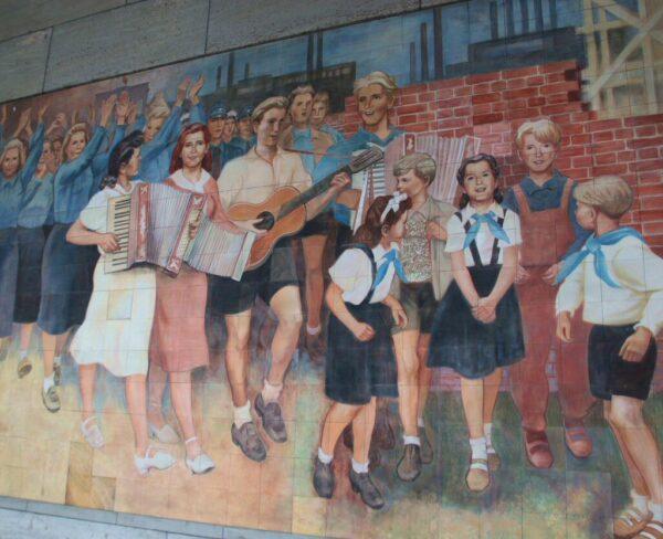 Mural en un rincón del antiguo Berlín Este