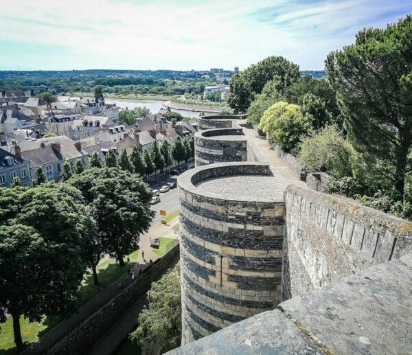 Rincón del castillo de Angers en el Valle del Loira en Francia