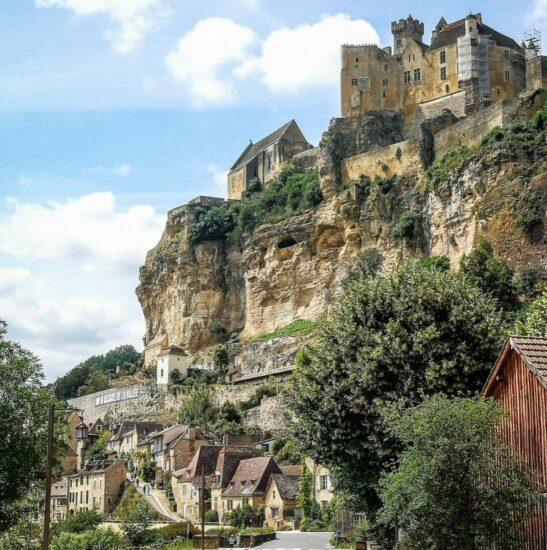 Castillo de Beynac en Perigord al suroeste de Francia