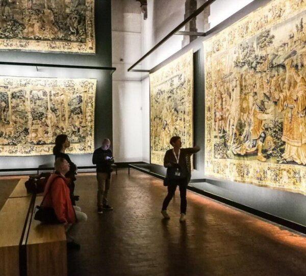 Exposición de tapices en museo MOU de Oudenaarde