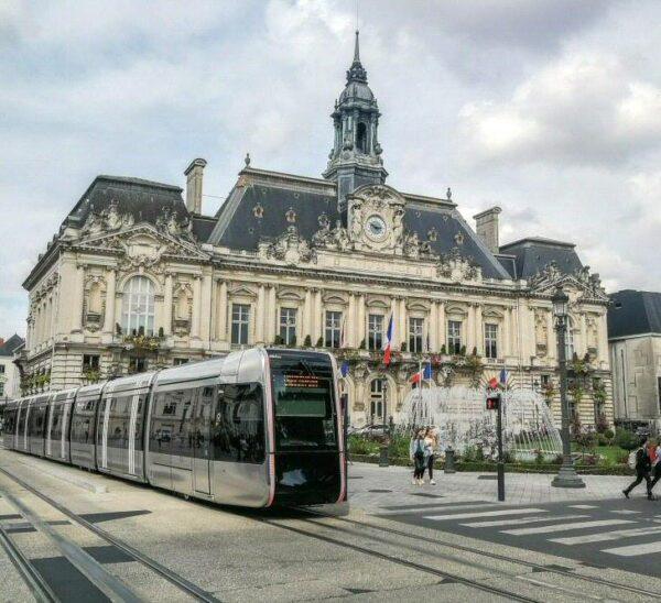 Ayuntamiento de Tours en Valle del Loira en Francia