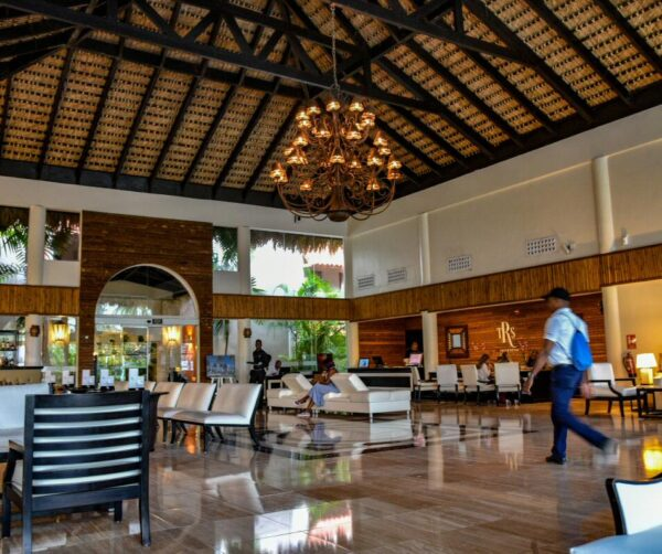 Recepción en hotel TRS Turquesa del Grand Palladium Hotels & Resorts en Punta Cana