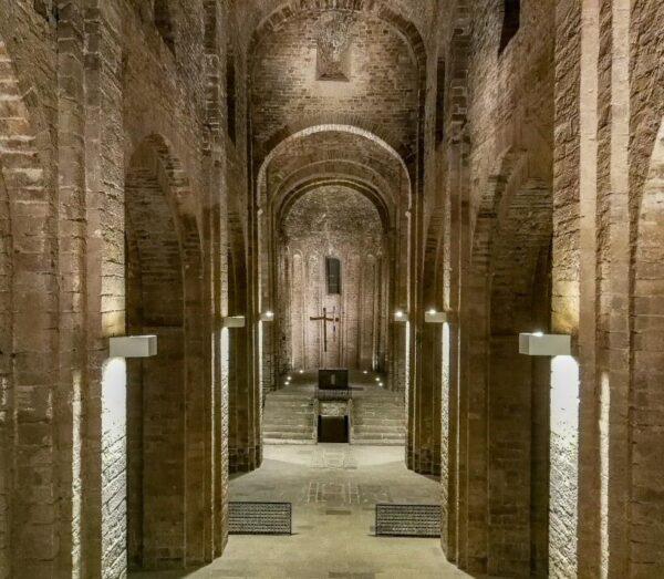 Iglesia colegiata de San Vicente en castillo de Cardona en Barcelona