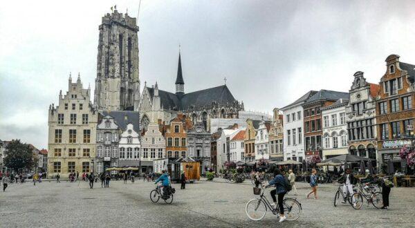Plaza Grande de Malinas en Flandes en Bélgica
