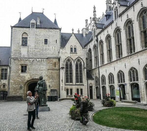 Palacio del Gran Consejo de Malinas en Flandes en Bélgica