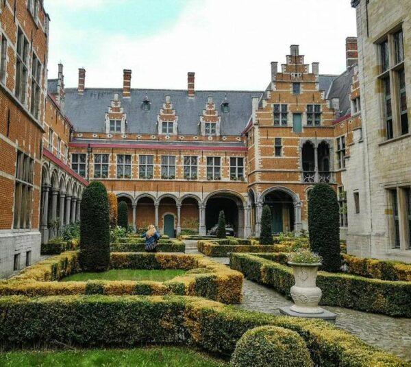 Palacio de Margarita de Austria en Malinas en Flandes en Bélgica