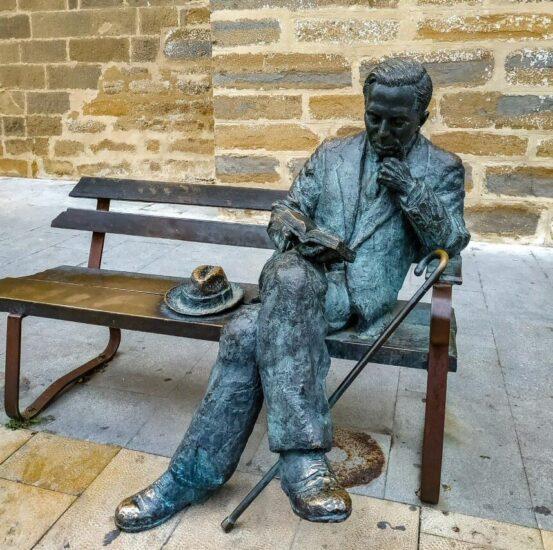 Monumento a Antonio Machado en Baeza en Jaén