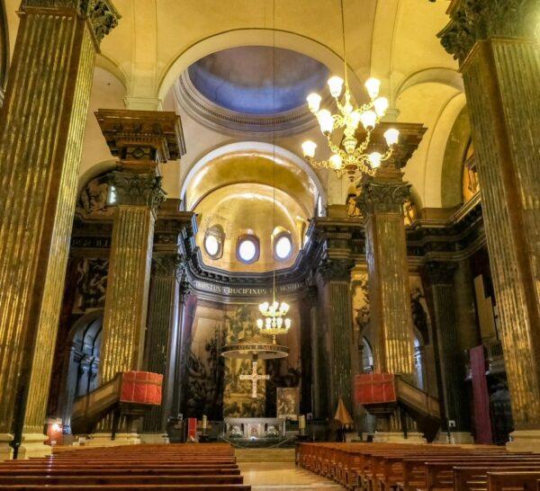 Interior de la catedral de Vic en Barcelona