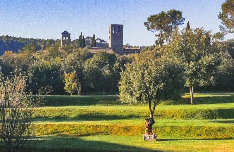 Monasterio Món Sant Benet cerca de Barcelona