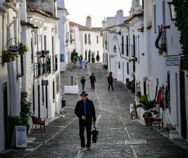Rincón de Monsaraz junto al Lago Alqueva en Portugal