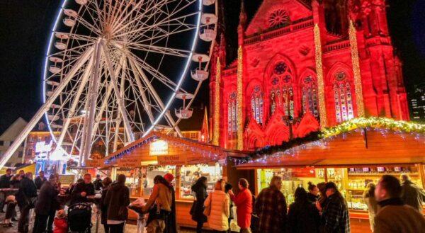 Mercado de Navidad en Mulhouse en Alscacia