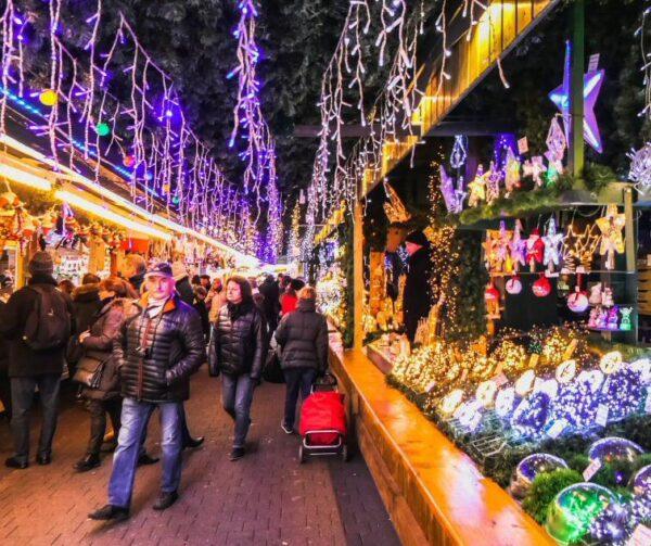 Mercadillos de Navidad de la plaza Broglie en Estrasburgo