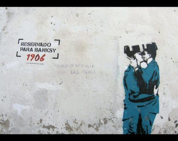 ¿Obra de Banksy en la Ruta de las Meninas de Canido en Ferrol?