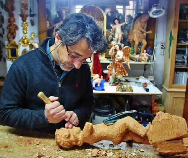 Fernando Cobo, artesano imaginero en Priego de Córdoba en Andalucía