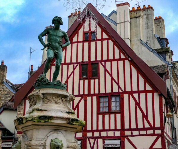 Rincón del centro histórico de Dijon en Francia