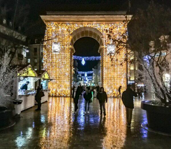 Puerta Guillaume de Dijon en Navidad